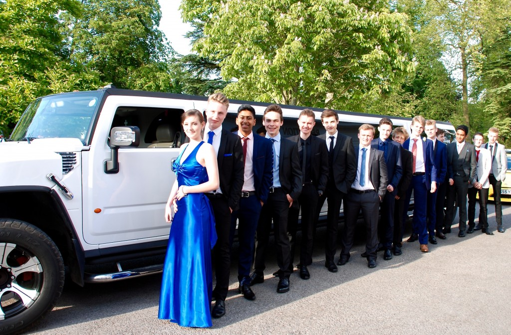 Prom Limo Hire In Swindon Wiltshire The Swindon Limo